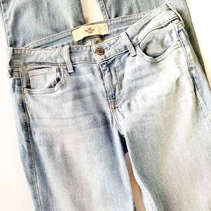 Hollister Distressed Boot Cut Jeans size 5